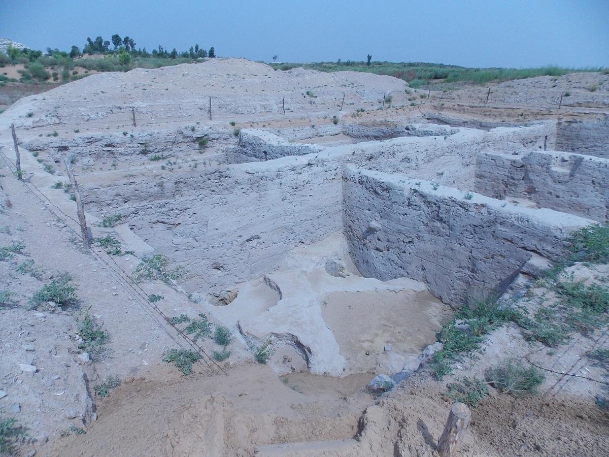 Archeological-of-a-daevite-ruin-I.jpg